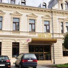 Hotel Lev in Velemin