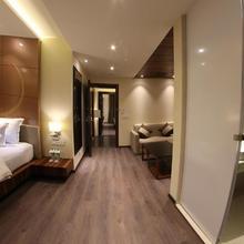 Hotel Lilac in Kota