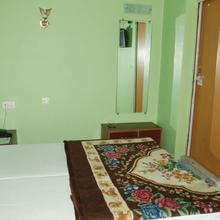 Hotel Limra in Prayagraj