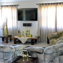 Hotel Little Taj Residence in Baddi