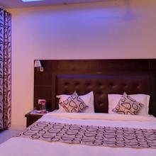 Hotel Lords Highway Inn in Kangra