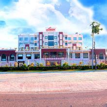 Hotel Luxmi Residency in Manana