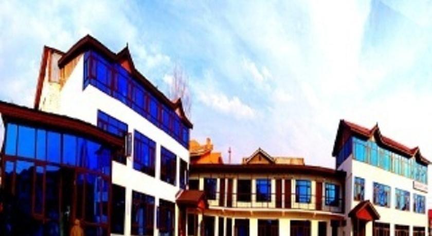 Hotel Luxury Inn in Srinagar