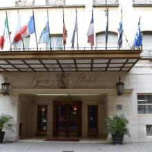 Hotel Lyon in Buenos Aires