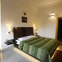 Hotel M J Residency in Pitambarpur
