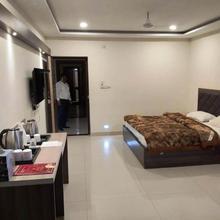 Hotel M M Continental in Varanasi