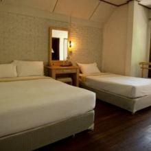 Hotel Maa Jagadamba Palace in Nrp Murli