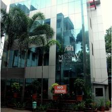 Hotel Madhav International in Phursungi