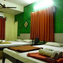 Hotel Madhava in Shirdi