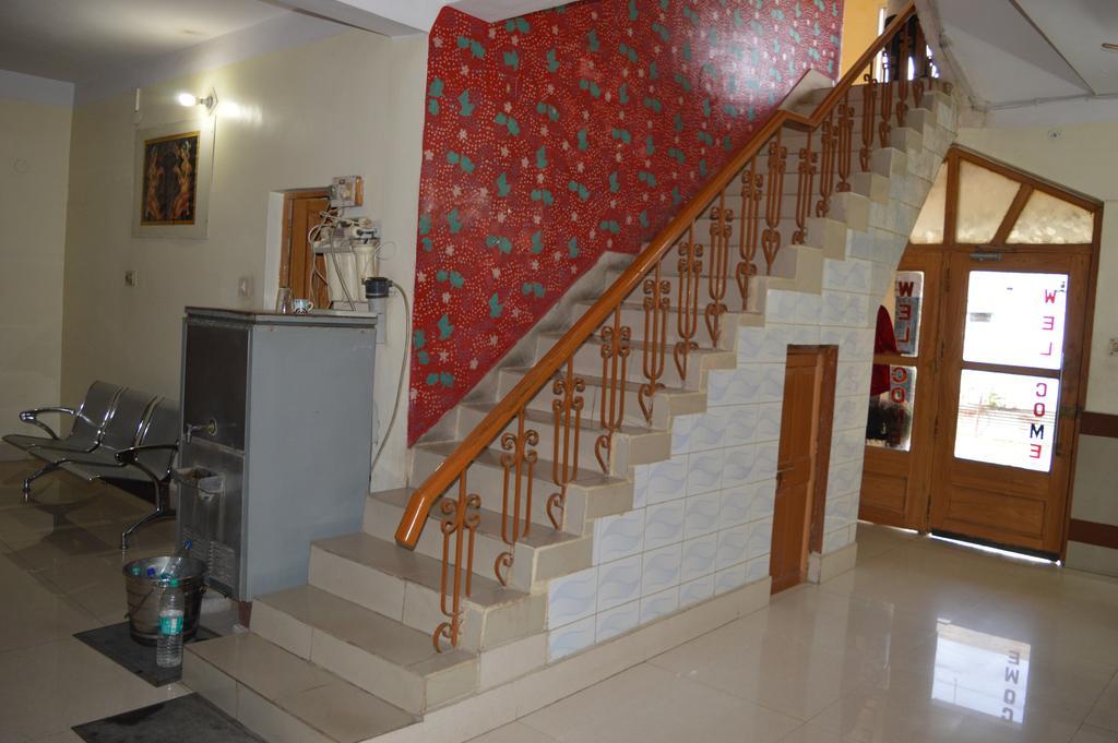 Hotel Madhuvan in Naudhia