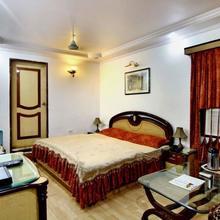 Hotel Mahadeva Regency in Kanpur