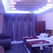 Hotel Maharaja Palace in Kanpur
