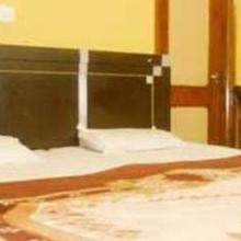 Hotel Mahindra Palace in Dami