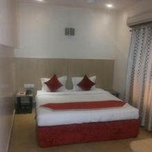 Hotel Malik Residency in Kanpur