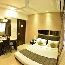 Hotel Manama in Mumbai