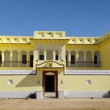 Hotel Mandawa Palace And Restaurent in Mukundgarh