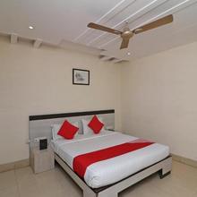Hotel Mandiram in Chaukhandi
