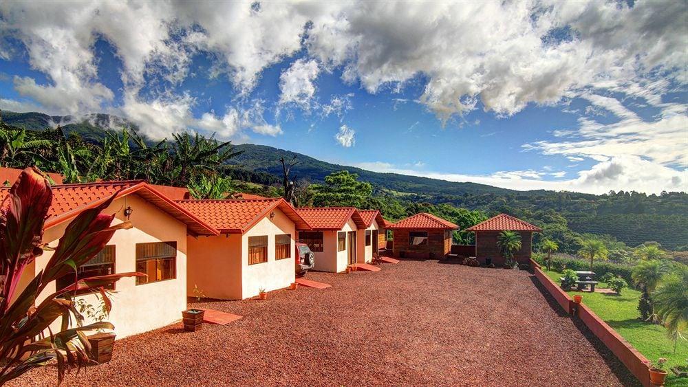 Hotel Mango Valley in Alajuela