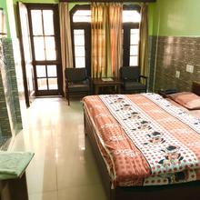 Hotel Manjul in Mandi