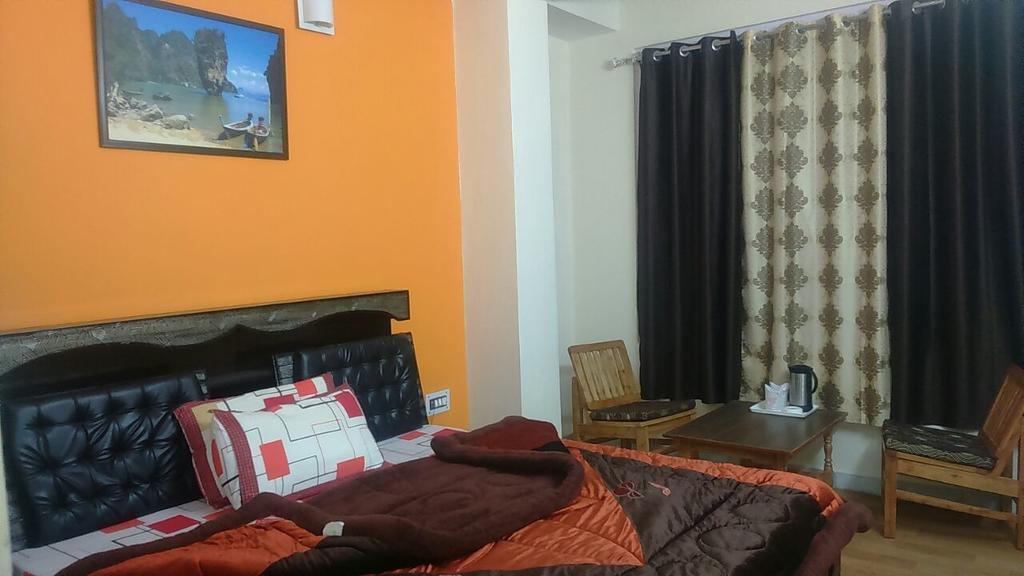 Hotel Mansarovar in Banjar