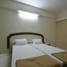 Hotel Maya Deluxe in Hyderabad