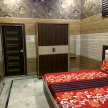 Hotel Mayur Resort in Mathura