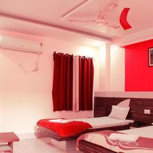 Hotel Meera Palace in Jasidih