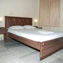 Hotel Meghdoot D in Chikrand