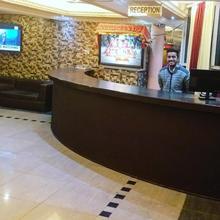 Hotel Meridian in Dami