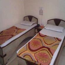 Hotel Meridian Palace in Dharmadam
