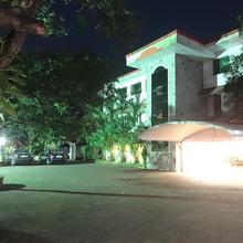 Hotel Mithila in Shertallai