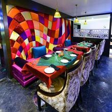 Hotel Mk Vivanta in Sandalpur