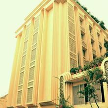 Hotel Mogul Palace in Nagaon