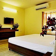 Hotel Mookambika Palace in Kolluru