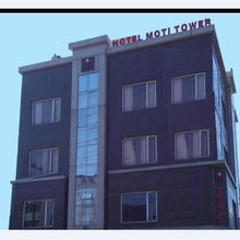 Hotel Moti Tower in Lal Kuan