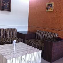 Hotel Mukund Palace in Mathura