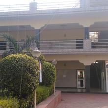 Hotel Mukund Priya in Mathura