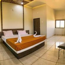 Hotel Murlidhar in Khambhaliya