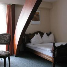 Hotel Murtenhof & Krone in Donatyre