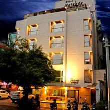 Hotel Nalanda in Ahmedabad