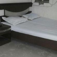 Hotel Narayana in Meerut