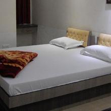 Hotel Neelkanth  Aligarh in Aligarh