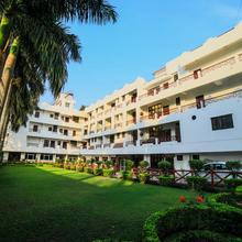 Hotel Neeraj Bhavan in Pratitnagar