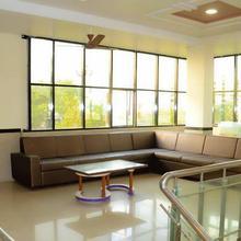 Hotel New Gulmohar in Shahada