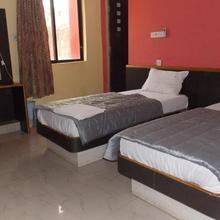 Hotel New Rajshree in Risama