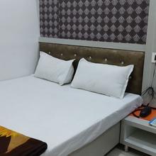 Hotel Nikunj in Sehore