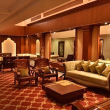 Hotel Niky International in Jhilmili