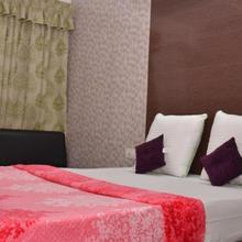 Hotel Nilkamal in Ahmedabad