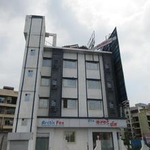 Hotel Nirsukh Palace in Navi Mumbai