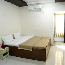 Hotel NVR in Alampur